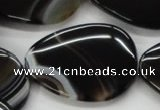 CAA271 15.5 inches 30*35mm flat teardrop black line agate beads